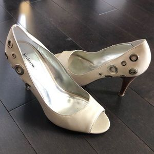 Style and Co Harley Pumps